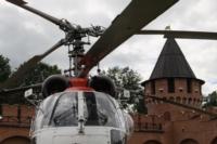 В кремле приземлился вертолет, который установит шпиль колокольни, Фото: 21