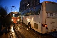 Столкнулись автобус и трамвай. 17 февраля 2016 года, Фото: 6