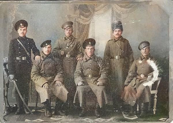 От героев былых времён не осталось порой имён... Мой дед - крайний слева.