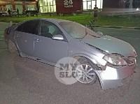 Крупное ДТП на ул. Металлургов в Туле: Nissan снес столб, пассажирку вышвырнуло из машины, Фото: 10