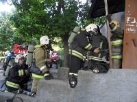 В Туле пожарные эвакуировали жителей подъезда пятиэтажки, Фото: 6