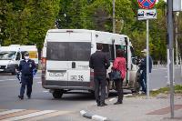 Полицейский рейд в тульских маршрутках: на пассажиров без масок составляют протоколы, Фото: 20