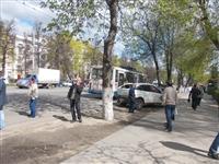 Пассажиры троллейбуса, совершившего наезд на авто и пешеходов, не пострадали, Фото: 6