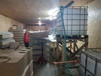 В Алексинском районе работал цех по производству поддельного алкоголя, Фото: 1