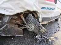 Автомобиль газовой службы попал в ДТП на ул. Первомайской и потерял колесо, Фото: 6