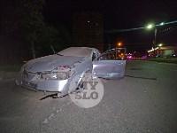 Крупное ДТП на ул. Металлургов в Туле: Nissan снес столб, пассажирку вышвырнуло из машины, Фото: 4