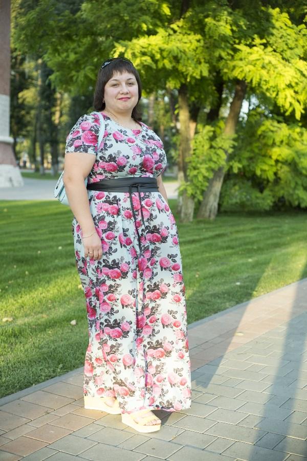 Елена Парамонова. 28 лет, рост 157 см, вес 92 кг. «Раньше я была стройной. До того момента, пока в организме не произошел сбой. Я начала очень быстро набирать вес. Сидела на многих диетах, результат был. Но все возвращалось назад. Из-за лишнего веса у меня начались проблемы со здоровьем. Мне очень нужна ваша помощь, очень хочу похудеть и быть здоровой. Одна надежда на ваш проект!»