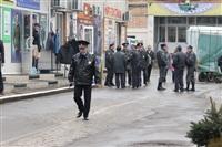 В ходе зачистки на Центральном рынке Тулы задержаны 350 человек, Фото: 18