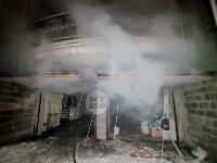 В Туле пожарные вынесли из горящего особняка больную женщину, Фото: 10