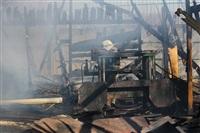 Пожар в цехе производства гробов на Веневском шоссе в Туле, Фото: 11