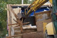 В тульском селе сносят незаконные цыганские постройки, Фото: 27