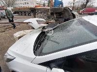 В Туле Volkswagen вылетел с дороги и приземлился на Hyundai, Фото: 7