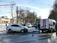 Автомобиль газовой службы попал в ДТП на ул. Первомайской и потерял колесо, Фото: 8