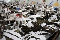 В Дубенском районе Алексей Дюмин осмотрел швейную фабрику, Фото: 2