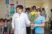 Пациенты Детской областной больницы получили в подарок «пряничного война», Фото: 1