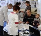 Юрий Андрианов поздравил тулячек с Днем матери, Фото: 12