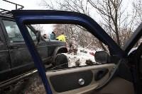 В Туле опрокинувшийся в кювет BMW вытаскивали три джипа, Фото: 9
