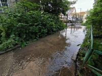 В Пролетарском районе Тулы затопило улицы и дворы: вода хлещет из колодцев, Фото: 14
