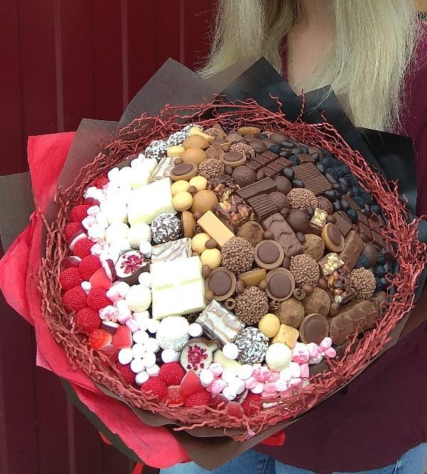 Шоколада много не бывает)))