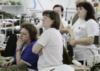 В Дубенском районе Алексей Дюмин осмотрел швейную фабрику, Фото: 15