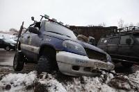 В Туле опрокинувшийся в кювет BMW вытаскивали три джипа, Фото: 17