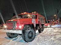 В Туле пожарные вынесли из горящего особняка больную женщину, Фото: 12