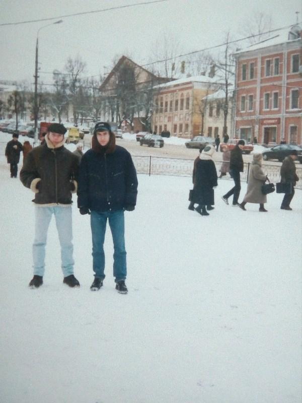 Площадь перед Главпочтамтом, зима 1998-99.