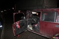 Под Тулой столкнулись грузовой Mercedes и «семерка», Фото: 4