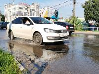 В Пролетарском районе Тулы затопило улицы и дворы: вода хлещет из колодцев, Фото: 7