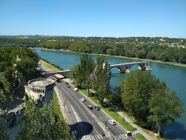 Авиньон. Река Рона