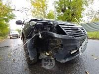 На ул. Тимирязева машина повалила дерево после ДТП с такси, Фото: 2