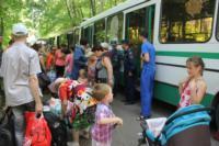 Сотрудники МЧС встретили беженцев на Московском вокзале 28 июля 2014 год, Фото: 8