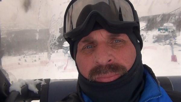 Зима, а мы на лыжах.