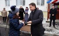 Владимир Груздев вручил ключи от квартир новоселам из Донского , Фото: 8
