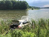 В Туле на пляже машина «убежала» в реку, Фото: 2