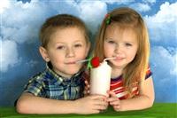 """""""Молоко вдвойне вкусней если это молочный коктейль!""""На фото: Ваня и Лиза Петровы. Фото Goldberry, Фото: 23"""
