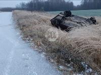 Гололед: в Алексинском районе улетела в кювет цистерна и перевернулась легковушка, Фото: 4