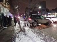 На ул. Вильямса в Туле у Volkswagen Touareg оторвало колесо, Фото: 11