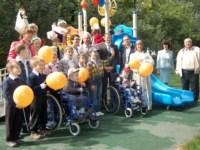 Tele2 подарила игровую площадку малышам с ограниченными возможностями, Фото: 10