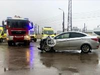 В Туле автобус с рабочими протаранил два авто и врезался в забор, Фото: 4