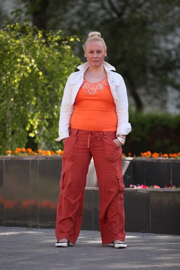 Анна Григорьева, 33 года, вес 86 кг. Мой рост 173 см. Кто-то снова скажет: «Ей не надо худеть», «Это не критично», «Кому-то нужнее» и «Она может и сама»! Отвечаю: нет, мне очень надо. Вы должны мне помочь, потому как сама я уже практически выбилась из сил. Ну что вам стоит?