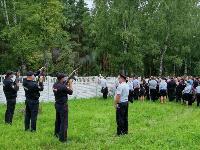 Жуткое ДТП в Суворове: проститься с погибшим полицейским пришли сотни человек, Фото: 28