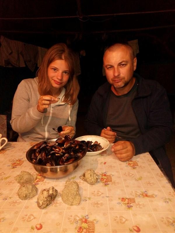 самим наловить морских деликатесов - и употребить ))
