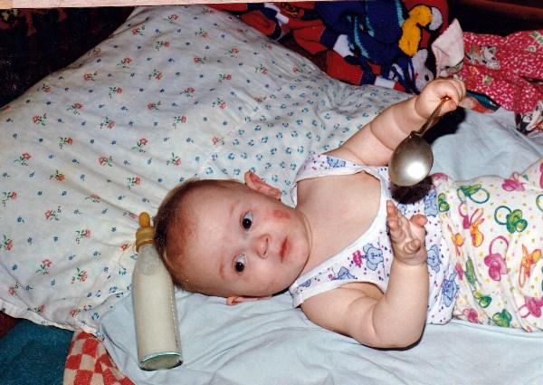 Первая ложка. Сынок 23,5 года тому назад. Июнь 1996 год