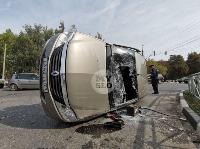 В Туле на ул. Оборонной Renault Logan после ДТП опрокинулся набок, Фото: 5