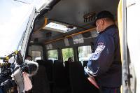 Полицейский рейд в тульских маршрутках: на пассажиров без масок составляют протоколы, Фото: 5