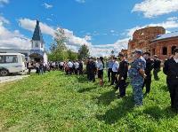 Жуткое ДТП в Суворове: проститься с погибшим полицейским пришли сотни человек, Фото: 25
