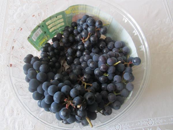 Дачные посиделки. Свой виноград с дачи