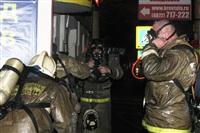 На ул. Оборонной в Туле сгорел магазин., Фото: 10