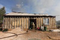 С огнем в жилом доме в селе Теплое боролись три пожарных расчета, Фото: 9